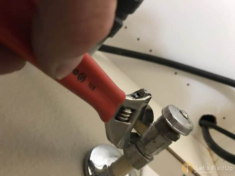 water valve for kitchen faucet