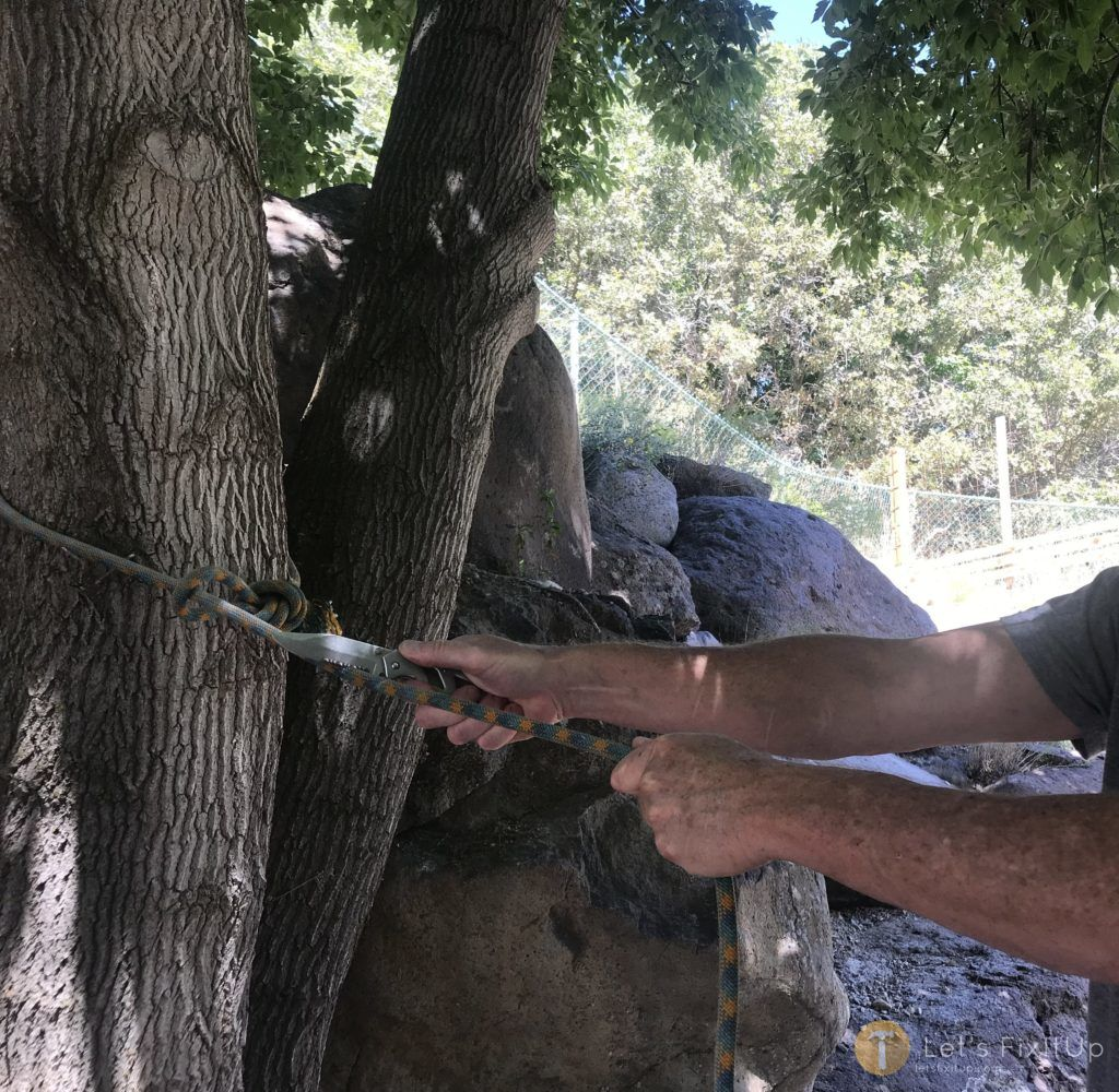 cutting rope with folding pocket knife