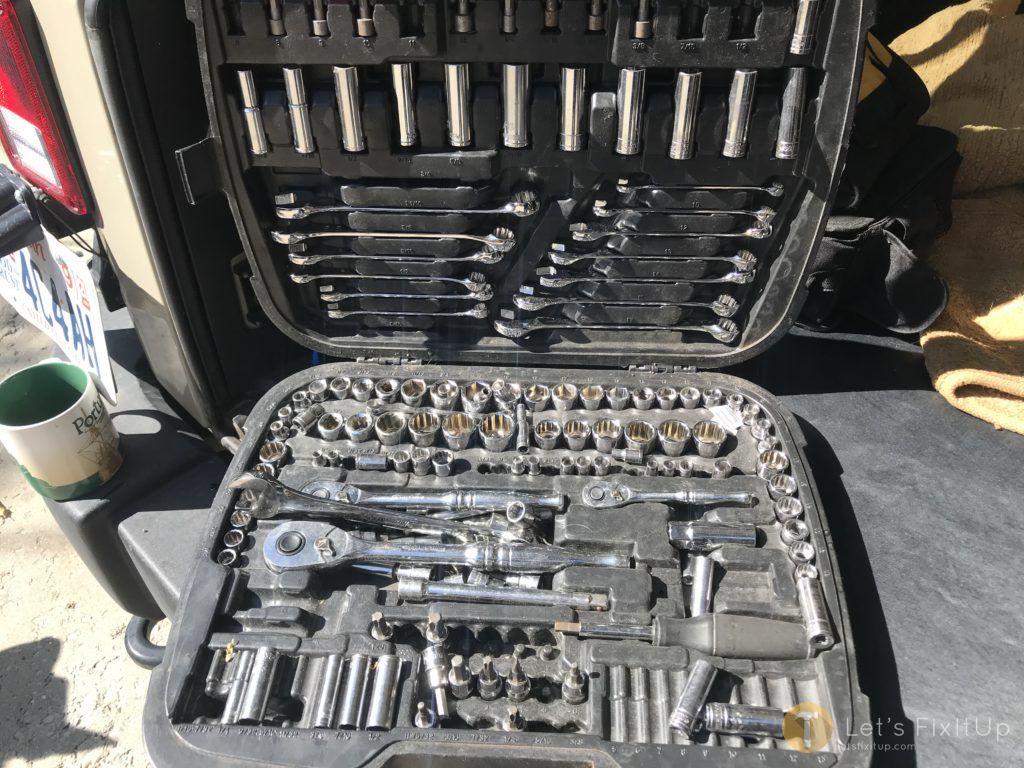 road trip mechanics tool set
